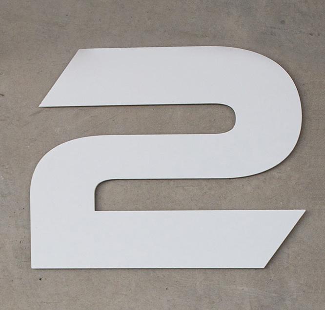 2Coders logo en el interior del estudio